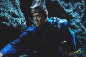 冯绍峰饰尉迟真金 紧握利剑显霸气